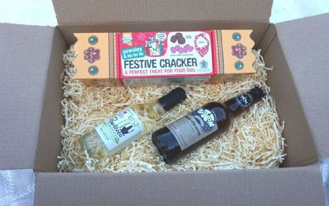 DOG CHRISTMAS GIFT BOX WITH DOG BEER DOG WINE DOG TREATS AND XMAS BANADANA
